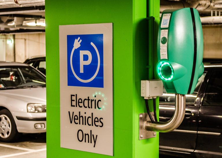 General Motors leads the way for a carbon-neutral auto industry